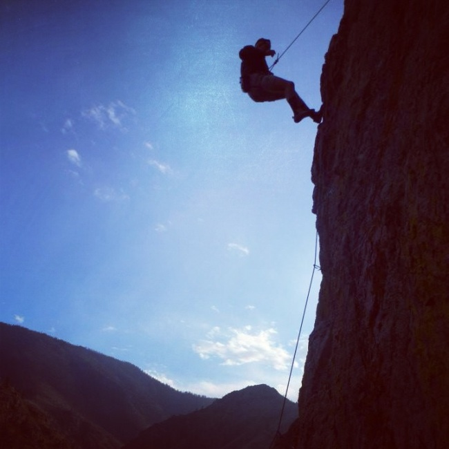 Lowering down from a climbing pitch