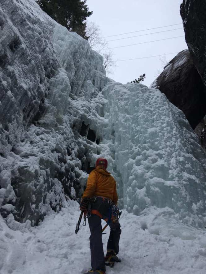 Alpine Ice Climbing Ouray Chockstone Chimney